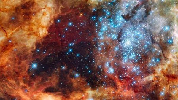 """25 عاما على إطلاقه.. تاريخ واكتشافات """"هابل"""" أول تلسكوب فضائي في العالم"""