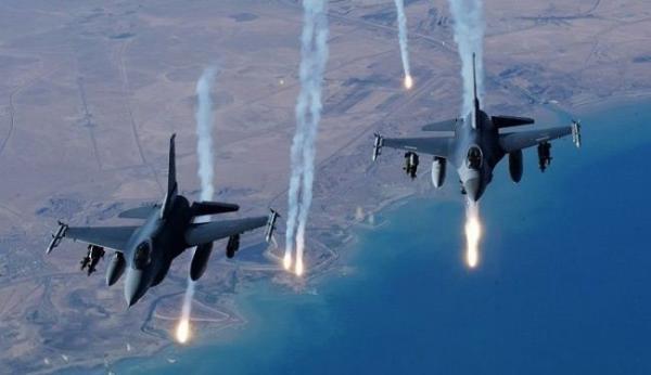 طائرات العدوان تلقي قنابل ضوئية على حجة ومنشورات في الحديدة