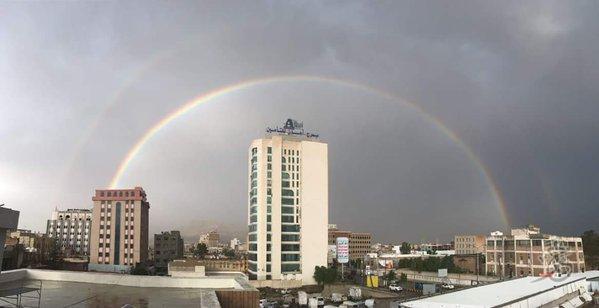 حديث الصورة- صنعاء: مطر.. شمس.. وقوس قزح