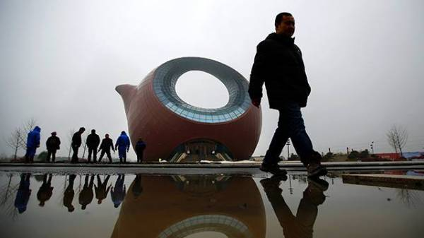 """(بالصور)..أكبر """"إبريق شاي"""" صيني بصدد التحول لقاعة عروض"""