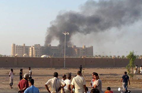 رويترز: اعضاء حكومة هادي يقيمون بفنادق الرياض لتفادي التفجيرات
