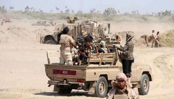 القوات الحكومية تسيطر على مواقع مهمة بجبهة حرض وتعثر على صواريخ حرارية ومدافع ومخازن أسلحة