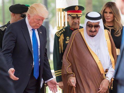 الاندبندنت: ترامب في حملته الانتخابية يتهم السعودية بالإرهاب واليوم يشيد بـ&#34الدولة الإرهابية&#34