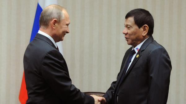 دوتيرتي: أمريكا منافقة ونطلب من روسيا تزويدنا بالأسلحة