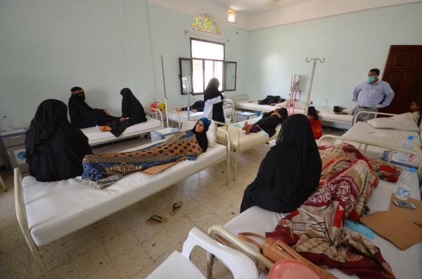 وباء الكوليرا يحصد أرواح اليمنيين وسط صيحات بالمزيد من القصف والقتل والحصار