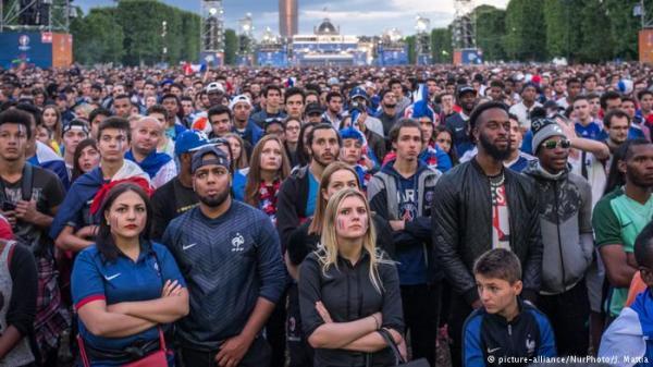فرنسا تحظر مشاهدة مباريات مونديال 2018 في الأماكن العامة