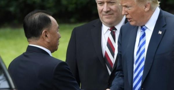 ترامب يؤكد انعقاد القمة مع كيم جونغ اون في سنغافورة في 12 يونيو