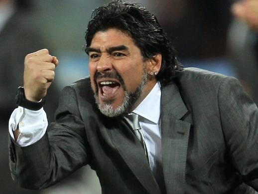بيليه : مارادونا ليس أسطورة الأرجنتين