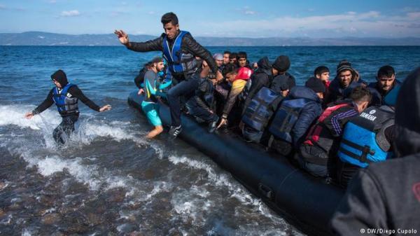 عشرات القتلى في المتوسط إثر غرق مركبين للمهاجرين