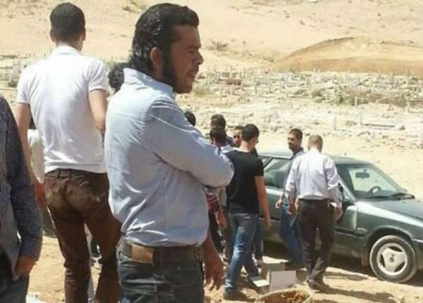 خلال تصوير مشهد درامي تمثيلي ينتهي بالموت: وفاة ممثل سوري بين يدي زميله (!)