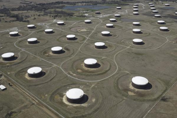 معهد البترول: ارتفاع مفاجئ لمخزون النفط الأمريكي 3.5 مليون برميل في أسبوع