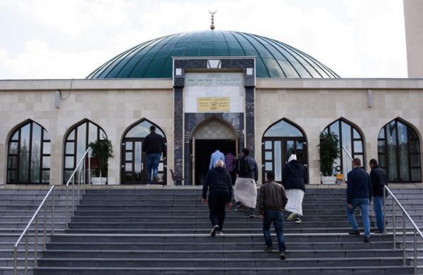 النمسا تطرد عشرات الأئمة وعائلاتهم وتأمر بإغلاق مساجد تمولها تركيا