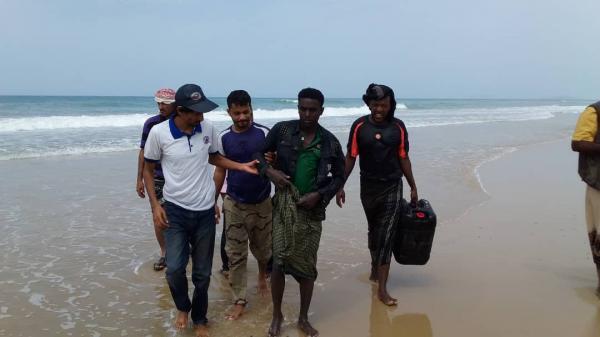 العثور على 3 جثث بساحل حضرموت من ضحايا القارب الأفريقي المنكوب