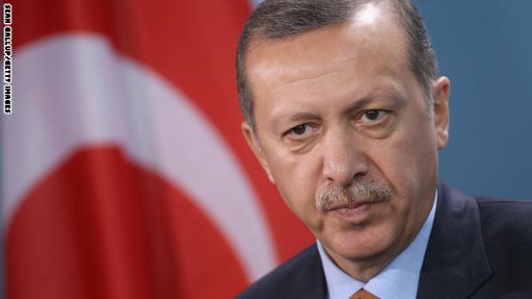 إردوغان يتعهد بمهاجمة شمال العراق ما لم تطهره بغداد من المسلحين الأكراد