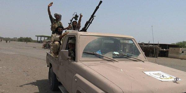 تفاصيل معركة كبدت مليشيا الحوثي عشرات القتلى والجرحى في الساحل الغربي
