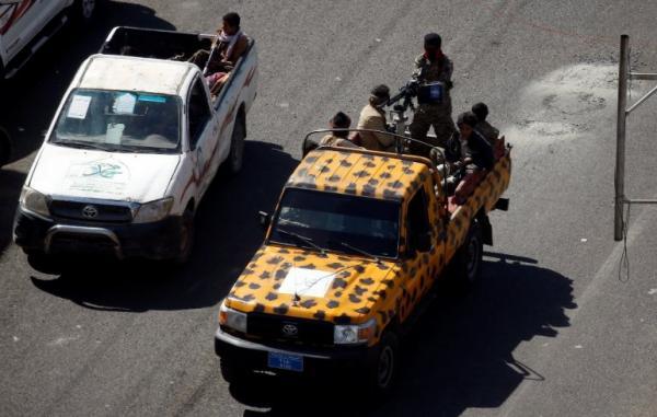 مليشيا الحوثي تداهم محلات الانترنت بصنعاء بحثاً عن أناشيد &#34حراس الجمهورية&#34