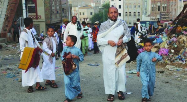 العيد في زمن المليشيا.. ضيف ثقيل يثقل كاهل الأسر