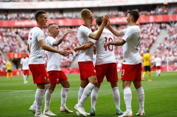 ثنائية ليفاندوفسكي تقود بولندا للفوز على ليتوانيا قبل كأس العالم