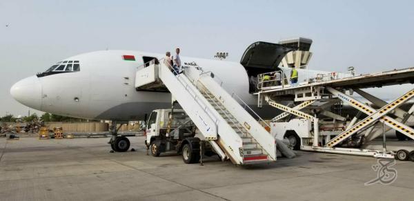 وصول معدات قطع غيار محطة الحسوة إلى مطار عدن الدولي