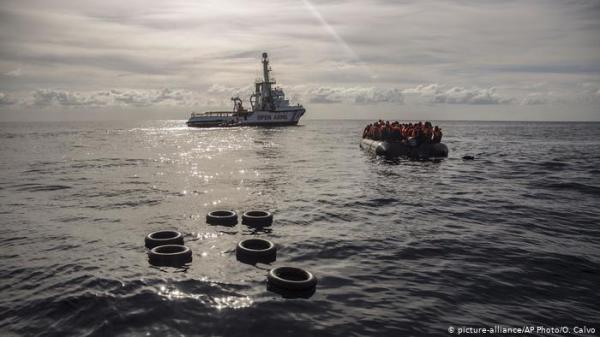 عمليات بحث عن أكثر من مائة مهاجر اختفوا في عرض المتوسط