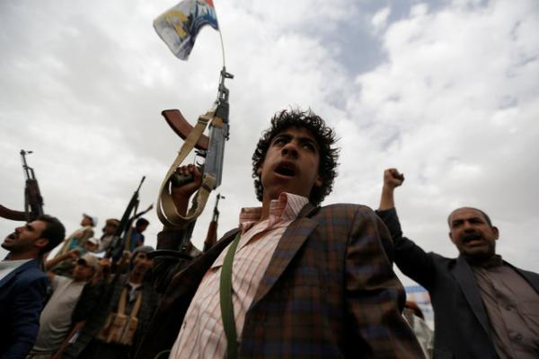 مليشيا الحوثي تلزم مديري المكاتب التنفيذية بمديريات العاصمة بالنزول خلال إجازة العيد لزيارة &#34الجبهات&#34