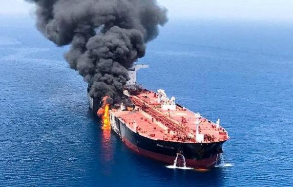 الولايات المتحدة تتهم إيران بالوقوف وراء الهجوم الذي استهدف ناقلتي نفط في بحر عمان