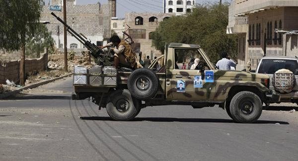 مواجهات مسلحة في صفوف مليشيا الحوثي بصنعاء أعقبت مطاردات لعناصر فرَّت من جبهة الساحل