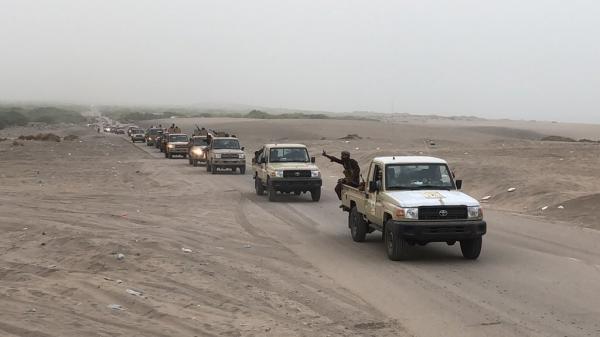 القوات المشتركة تدخل قرية المنظر المحاذية لمطار الحديدة عقب تطهير الدريهمي بشكل كامل