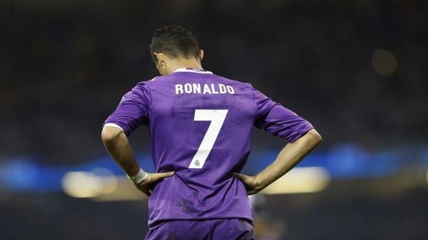صحيفة برتغالية: رونالدو يقرر الرحيل من ريال مدريد