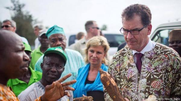 ألمانيا تحذر من هجرة مائة مليون شخص من أفريقيا