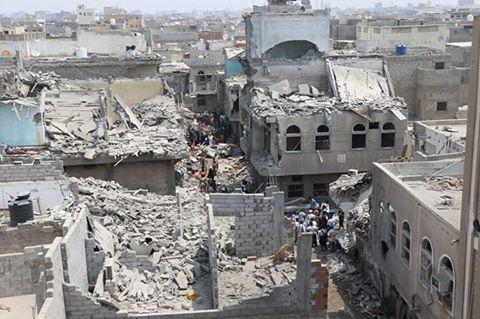 حجة: استشهاد مواطن بغارة على سوق شعبي وضربات جوية مكثفة على حرض وميدي