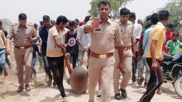 غضب في الهند بعد نشر صورة سحل وقتل رجل تحت أنظار الشرطة