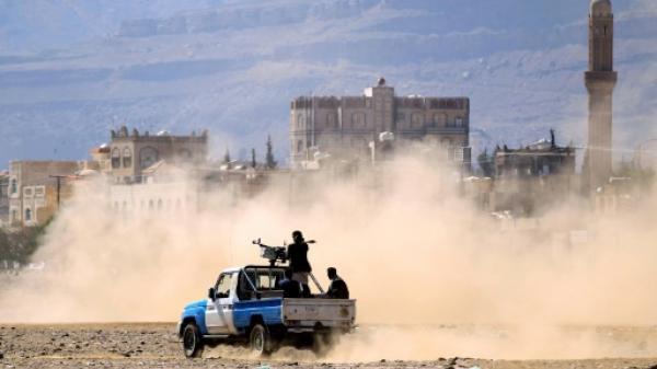 معامل متفجرات في سجون حوثية تتوسط أحياء سكنية