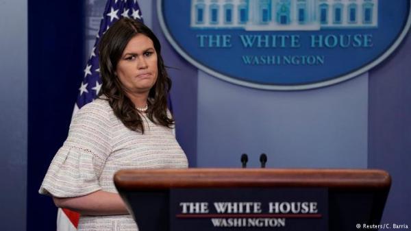 مطعم يطرد المتحدثة باسم البيت الأبيض بسبب عملها مع ترامب