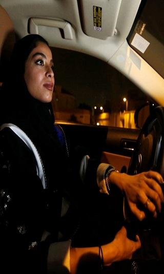 يوم تاريخي في السعودية.. والمرأة تفتح صفحة جديدة
