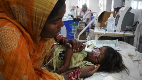 وفاة أكثر من 150 طفلاً في الهند بسبب مرض التهاب الدماغ