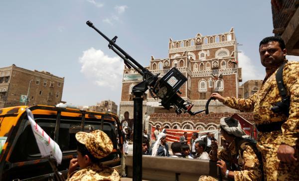 اعتقال مشرفين ميدانيين بالعاصمة وخلاف القوى يتصاعد بين الحوثيين