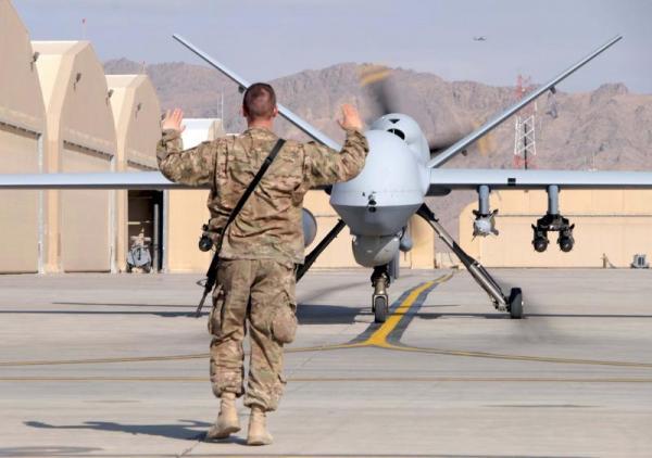 """""""درونز"""" أمريكية تقتل قيادياً بارزاً في القاعدة وأربعة آخرين وسط اليمن"""
