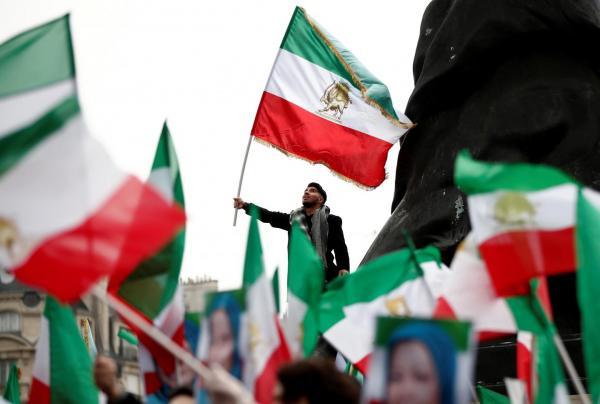 نيويورك تايمز: خطط أمريكية جديدة لمواجهة النظام الإيراني وأذرعه في المنطقة