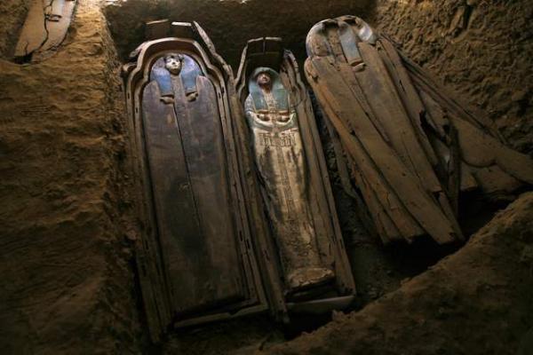 افتتاح هرم في مصر تم اكتشافه عام 1889