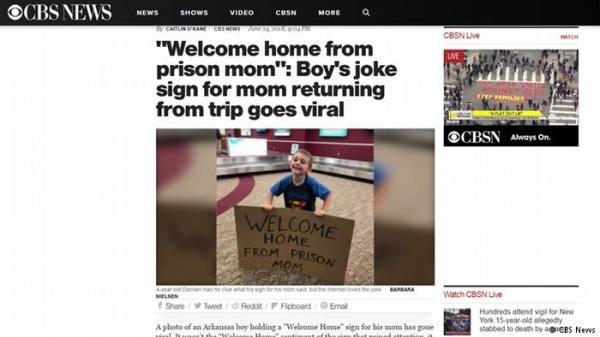 طفل يستقبل أمه في المطار بطريقة غريبة..فماذا فعل؟!