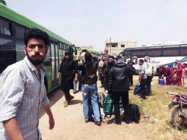 """سوريا.. بدء خروج مقاتلي المعارضة من """"حمص"""" القديمة"""