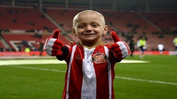 وفاة الطفل الإنجليزي برادلي أحد &#34أشجع مشجعي&#34 كرة القدم