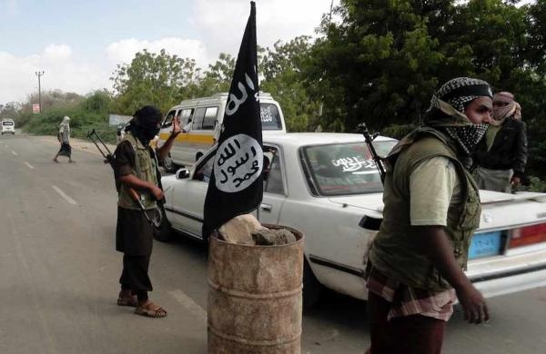 معهد &#34كريتيكال ثريتس&#34 الأمريكي: هادي يفتقر إلى الشرعية ويعمل مع القاعدة في مناطق يمنية