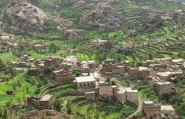 مليشيا الحوثي تحاصر قرية &#34قدم&#34 بعتمة ذمار لليوم الثالث واعتقال عدد من أبنائها