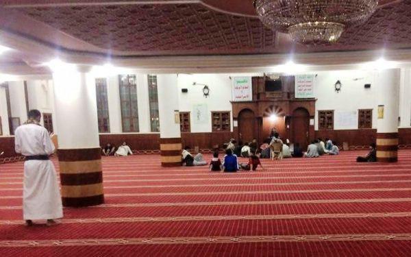 5 مساجد في مدينة ذمار غادرها المصلون رفضاً لخطباء مليشيا الحوثي