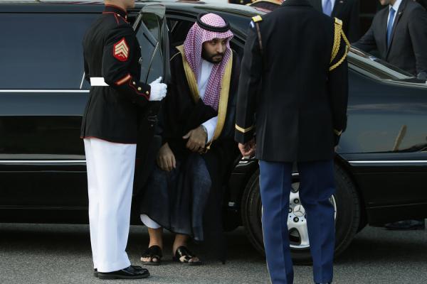 مساعد الرئيس الأمريكي الأسبق: توريث الحكم لمهندس الهجوم الكارثي على اليمن هز النظام السعودي