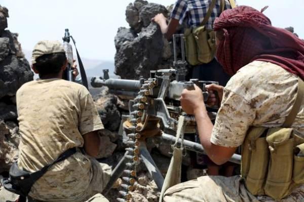 الجيش يقصف تعزيزات مجاميع العدوان بنهم