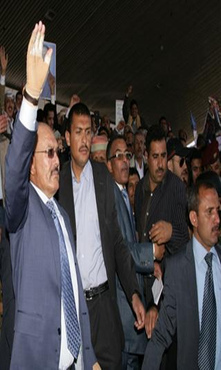 تصدير القلق.. من أين يستمد الرئيس صالح قوته؟