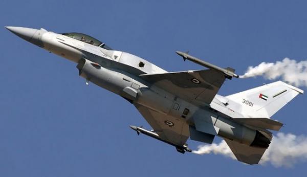 طيران حربي حلق فوق عدن بالتزامن مع منع دخول وفد تركي إلى الميناء